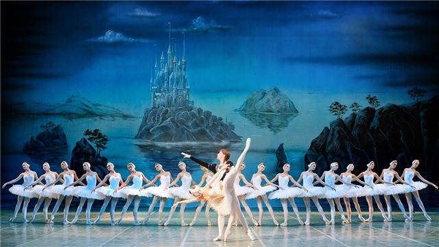 Bolshoi Ballet in Cinema: Swan Lake